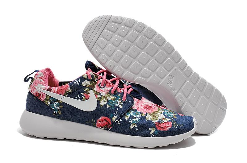 basket nike roshe run a fleur